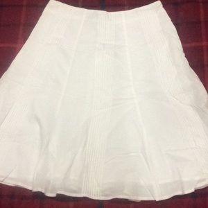 White New York & Company Skirt 💛